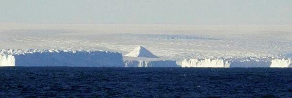 Чи мислимо уявити, що на цих берегах щось росло? .. (Фото Etienne Classen, Integrated Ocean Drilling Program.)