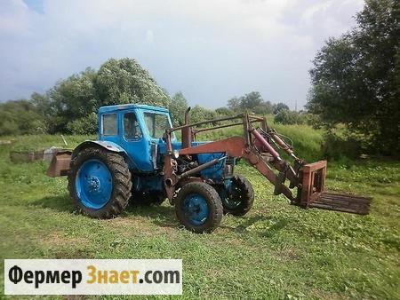 Трактор з навісним обладнанням