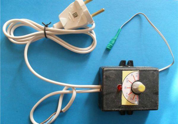 Зовнішній вигляд саморобного терморегулятора