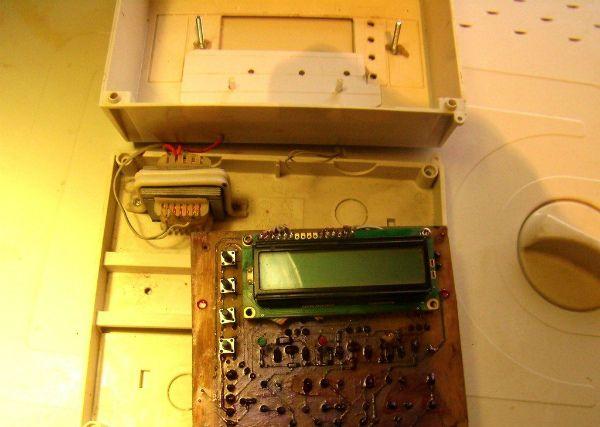 Саморобний Мікроконтроллерні терморегулятора з РКІ