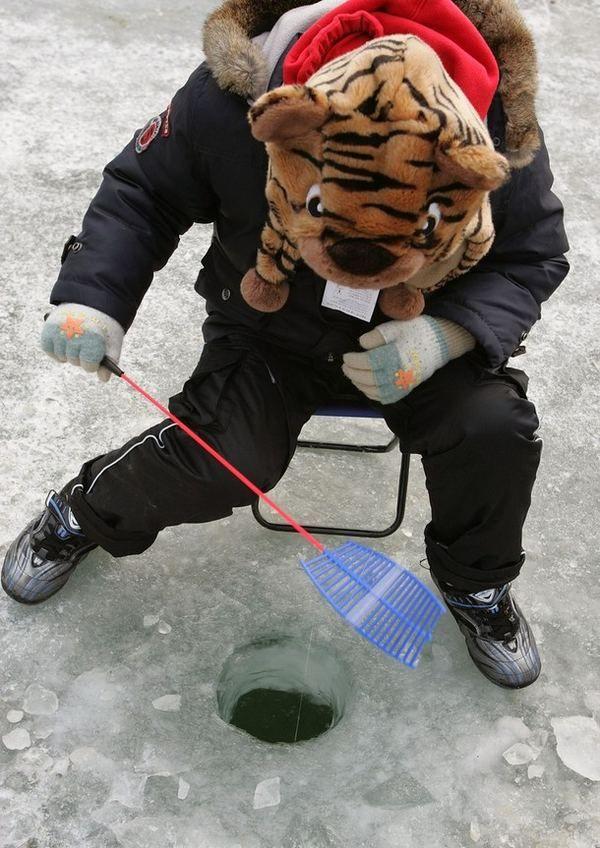 Фестиваль підлідної риболовлі в Південній Кореї