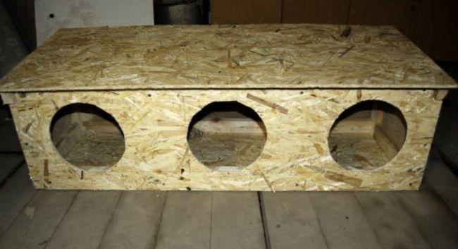 гніздо-будка для курей