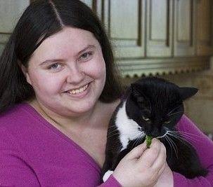 Цікава дивина проявилася у кота, якого знайшла на вулиці Тасбурга (Англія), господиня, Беккі Пейдж (Becky Page).