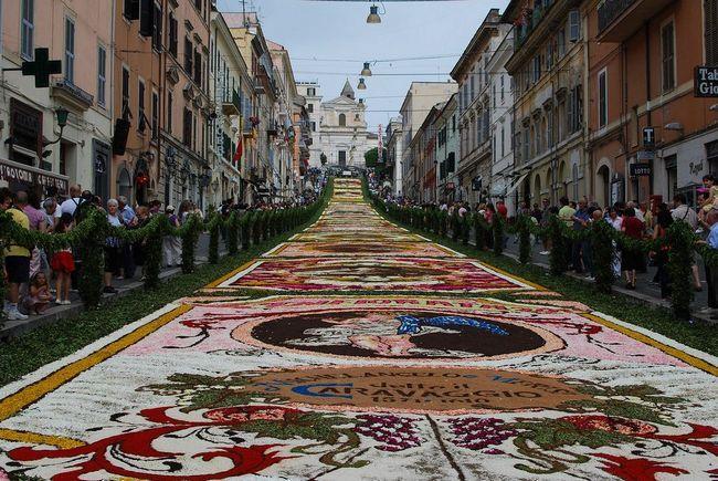 Генсало Інфіората - фестиваль квітів в Італії