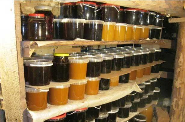 Зберігання меду в погребі