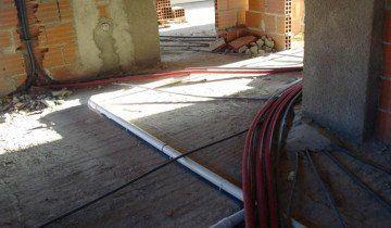 На фото система каналізації в приватному будинку, 5masterov.ru