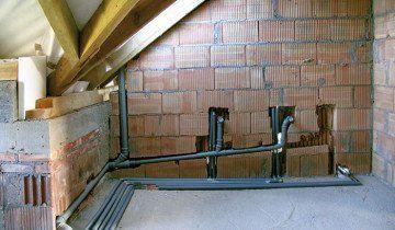 Розводка каналізаційних труб всередині будинку, smcloud.net