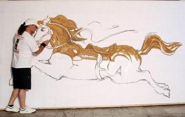 Самір Страті, родом ізАлбаніі, використовує для створення своїх незвичайних картин не тільки Гвоздин і зубочистки.