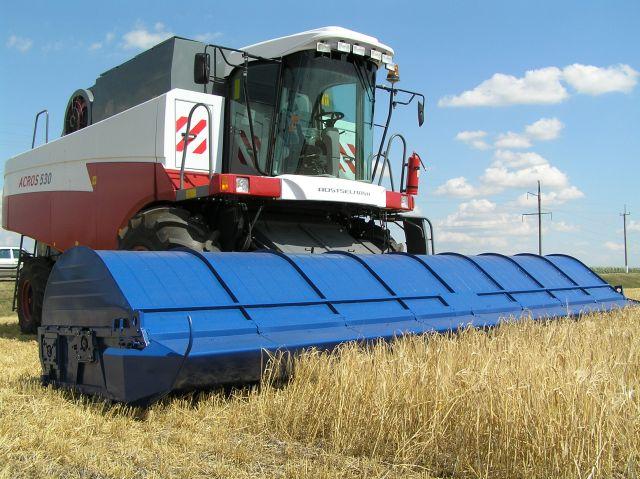 Комбайн зернозбиральний акрос 530