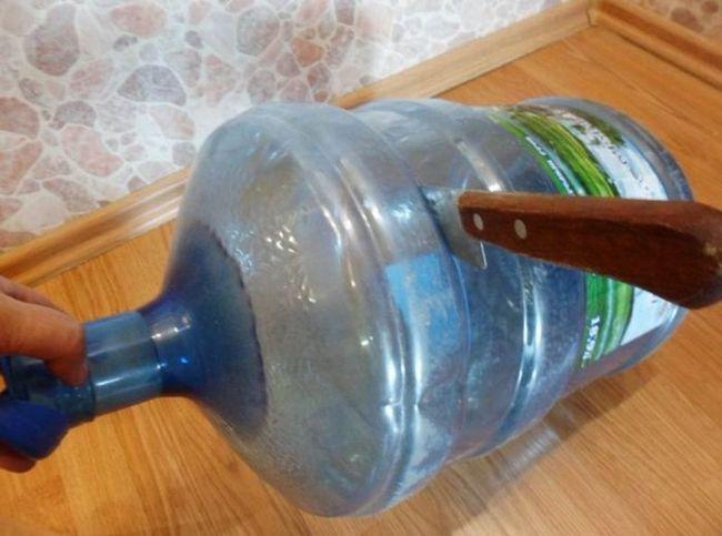 Майстер-клас: вінтажна ваза з двох пластикових пляшок