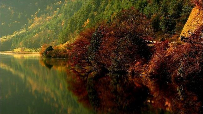 Національний парк Цзючжайгоу (Долина дев`яти сіл)