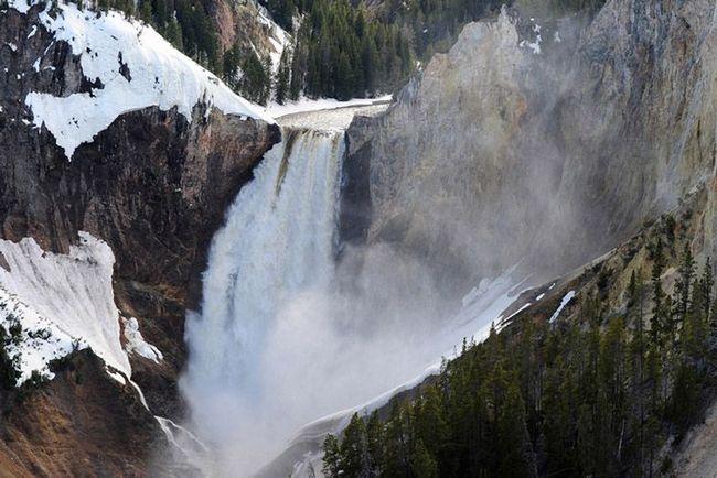 Нижній водоспад у Великому каньйоні - найпотужніший водоспад Скелястих гір