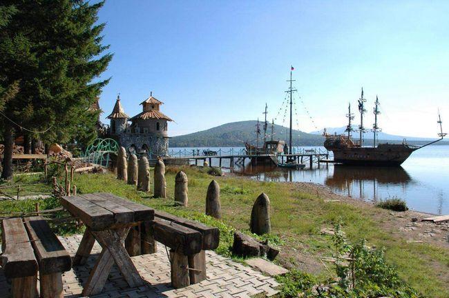 Парк Зюраткуль - місце для повноцінного відпочинку всією сім`єю.