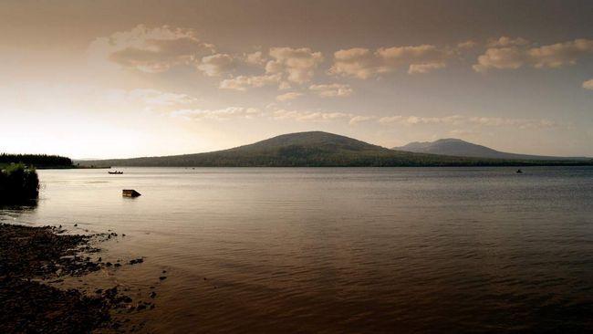 На озері, для рибалок - справжній рай.