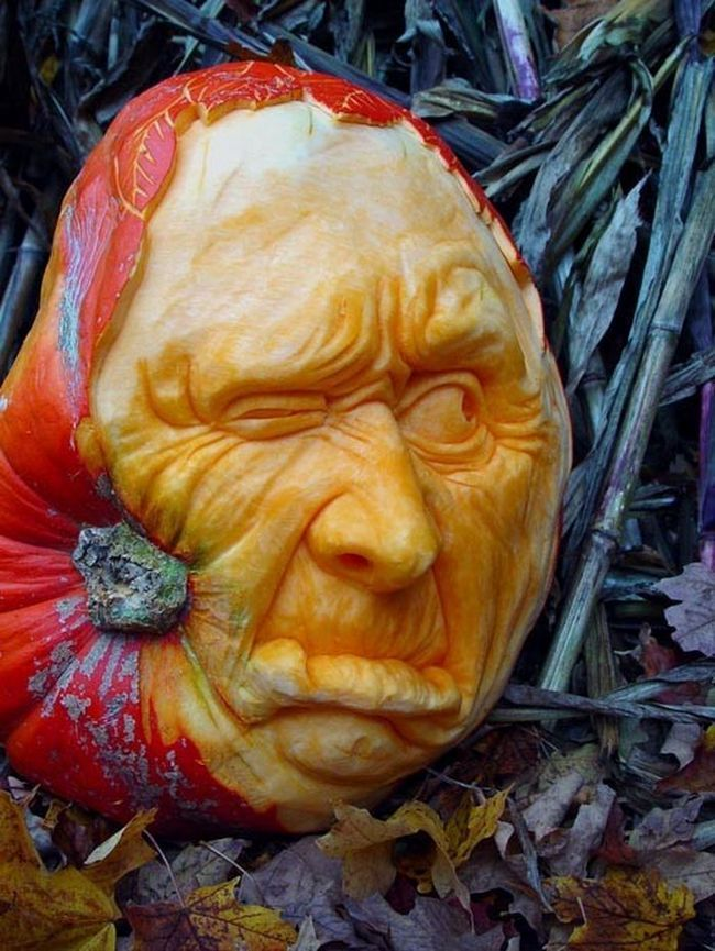 Незвичайні скульптури з гарбуза