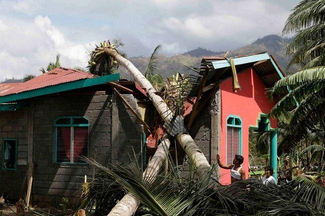наслідки тайфуну`Бофа` на филиппинском острове Минданао