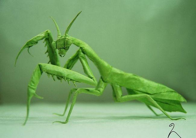 Правдоподібні фігурки, зроблені з паперу