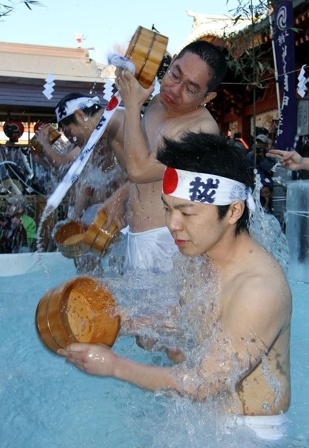 Святкову церемонію провели в храмі Канда Мёдзін. (Junko Kimura / Getty Images)