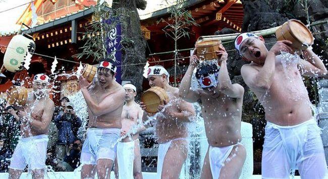Відзначають, що число прихожан в Японії збільшилася. (Junko Kimura / Getty Images)
