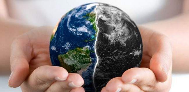 Без сумніву, найнебезпечнішим істотою на Землі є людина, яка може знищити не тільки собі подібних, а й все живе і навіть саму планету.