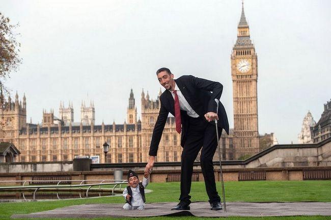 Найвища людина в світі вперше зустрівся зі своїм антиподом