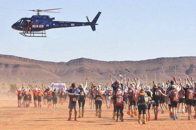 Учасники стартують 3 березня 2009 року на останньому колі довжиною в 42 км. (AFP / Getty Images / Pierre Verdy)