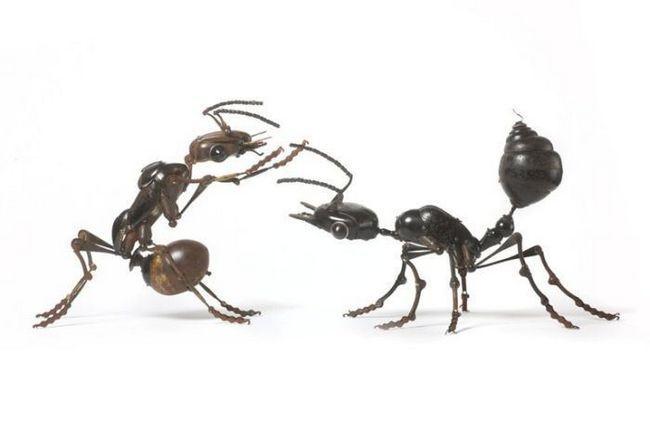 Скульптури з металу Едуарда Мартіні