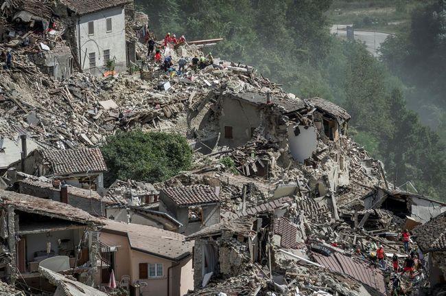 Всього за одну ніч затишний італійський містечко перетворилося на руїни.
