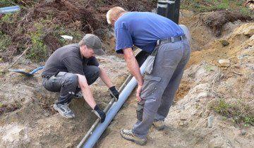 Процес прокладки зовнішніх каналізаційних труб, rabotnik.kiev.ua