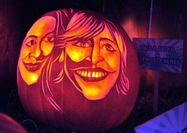 Зліва - Пола Абдул, праворуч - Еллен Дедженерес. Гарбузи виставлені на ярмарку на вулицях Манхеттена 23 жовтня. (Henry S. Dziekan III, Getty Images)