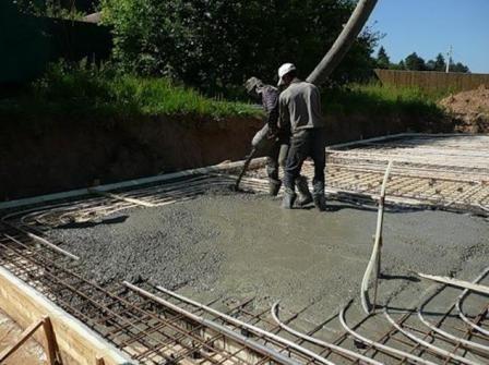 заливаємо бетоном