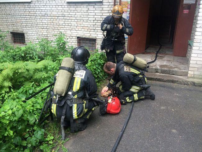 Під час пожежі рудий встиг надихатися димом настільки, що втратив свідомість.